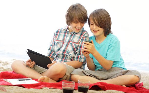 © istock.com/gradyreese Kinder und Technologie