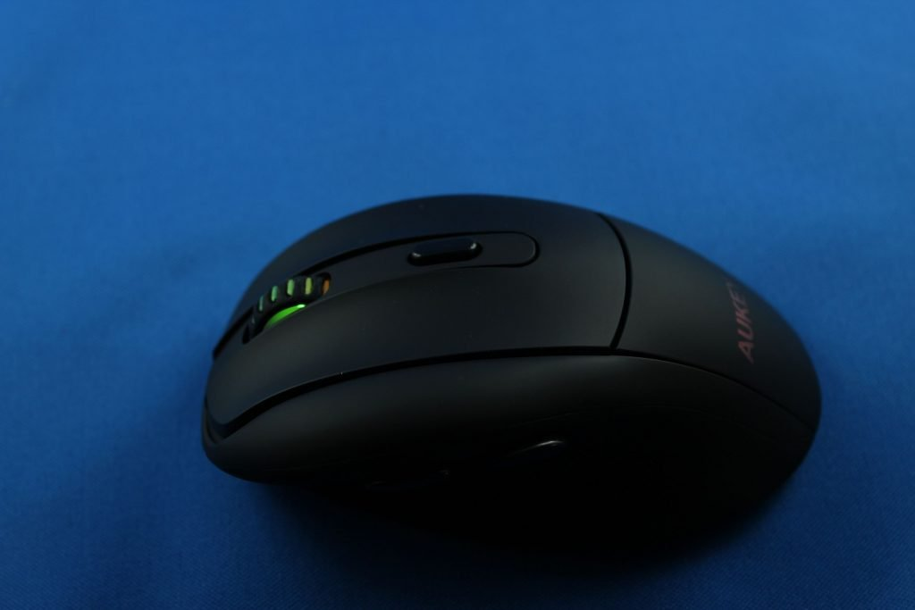 3 1024x683 - Aukey KM-W9 2.4 Ghz Wireless Mouse ausprobiert
