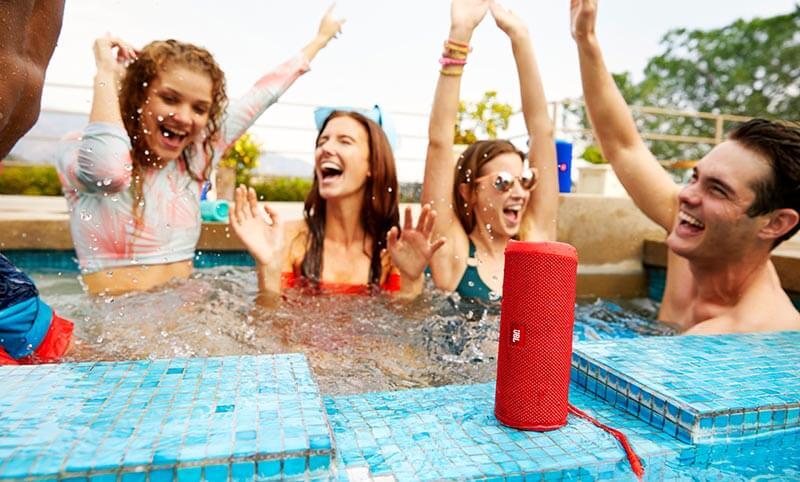 jbl flip 4 lifestyle pool party